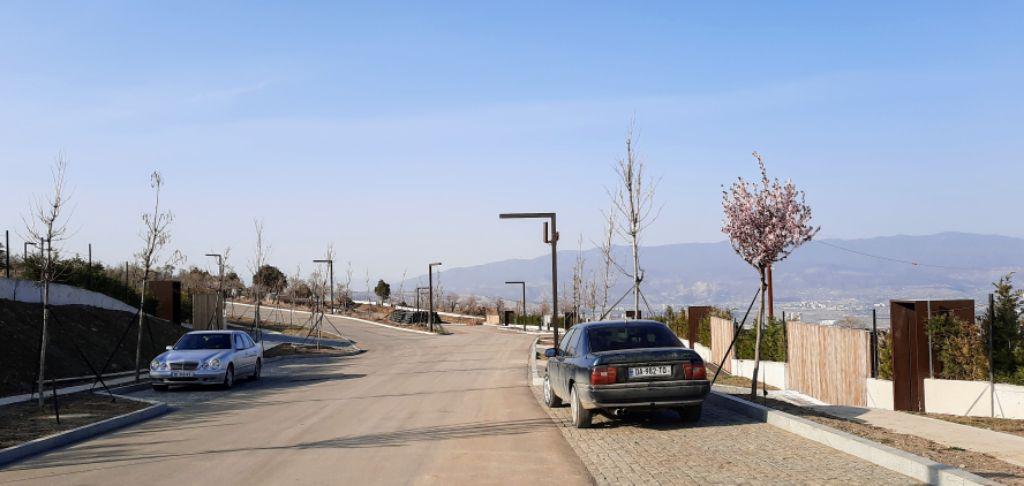 Eingangstür und Garageneinfahrt sind bereits markiert, damit man sich die zukünftige Wohnsituation gut vorstellen kann